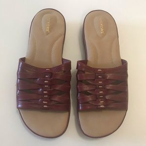 Dockers Red Leather Comfort Slides Sandals 9 W